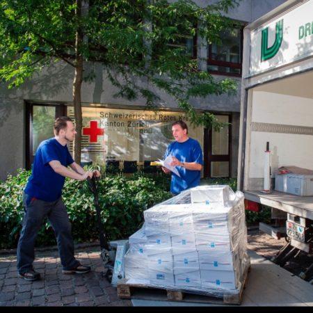 AuftragArbeit Spedition wir holen mit unseren eigenen Fahrzeugen die Ware bei Ihnen oder Ihrem Lieferanten ab.