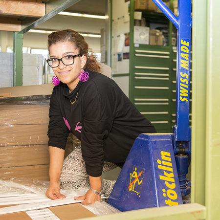 AuftragArbeit Selbstverständlich lagern wir Ihr Material auch gerne ein oder besorgen auf Wunsch das optimale Verpackungsmaterial.
