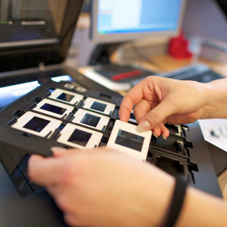 AuftragArbeit wir können Dias digitalisieren und daraus hochwertige JPEG Dateien in bester Qualität erstellen.