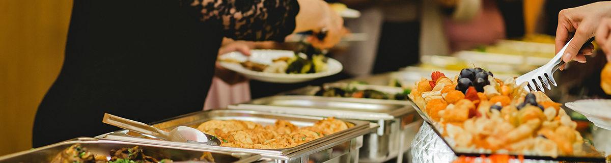 AuftragArbeit egal ob Sie einen kleinen oder grossen Anlass planen, wir kümmern uns mit Freude um das Kulinarische.